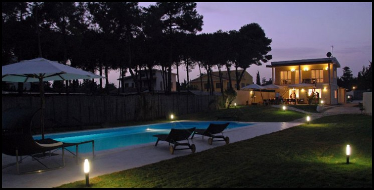 Bed and Breakfast Caravelle, The Luxury Bed and Breakfast Via delle Caravelle n°84 - Capitana - Quartu Sant'Elena (Ca) 09045.